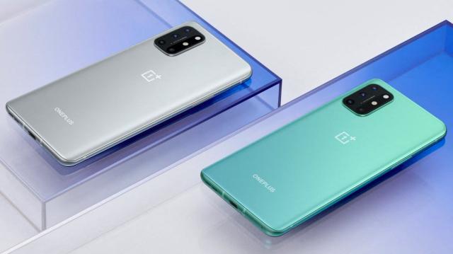 Smartphone-ul OnePlus 8T - pret si specificatii