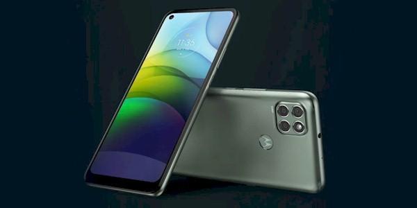 Ce pret are acest smartphone Motorola cu acumulator de 6000mAh