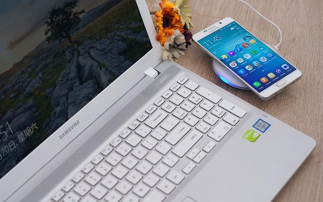 Motivul pentru care Samsung ar fi lansat acum un update pentru smartphone-urile Galaxy S6 si Galaxy Note 5