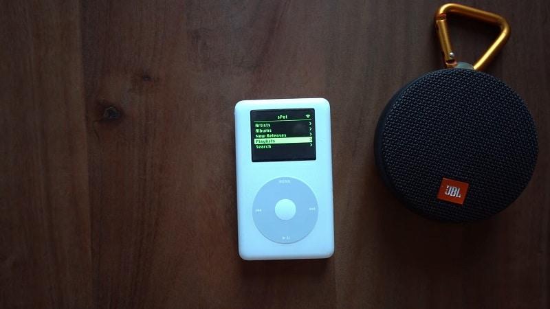 iPod-ul din 2004 care poate reda muzica de pe Spotify