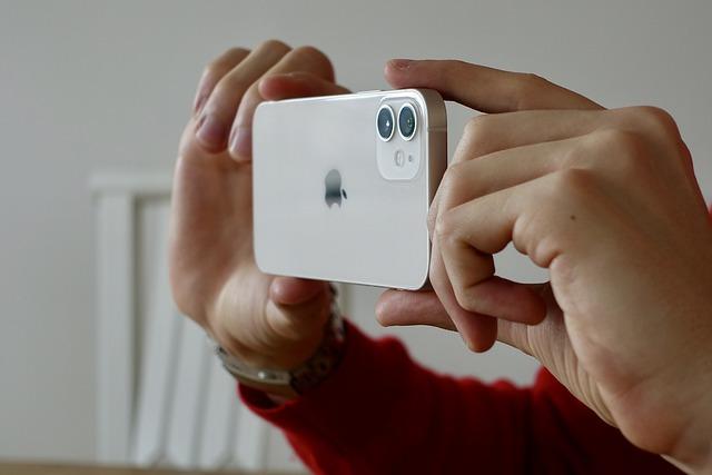 Cum s-ar putea recupera date de pe un iPhone Apple fara porturi