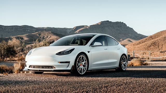 Se pot cumpara masini Tesla cu aceasta moneda virtuala