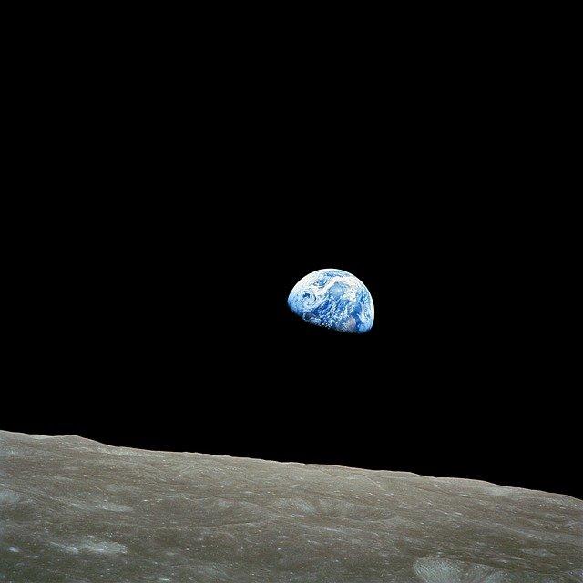 Companiile care vor lansa un satelit pe orbita Lunii