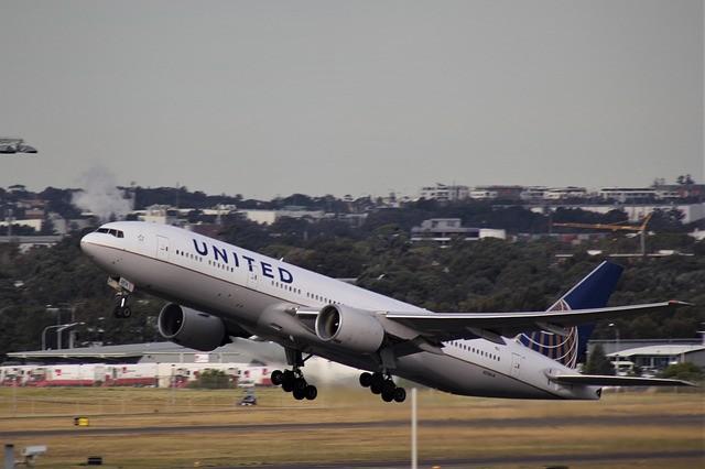 De ce un zbor a fost evacuat din cauza AirDrop